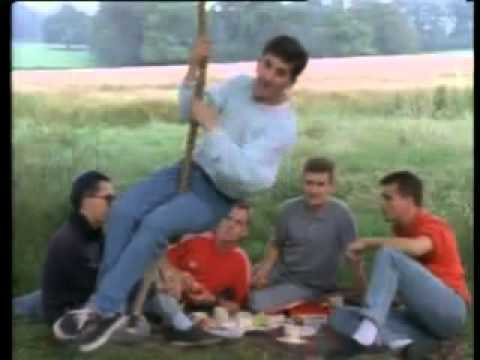 The Housemartins – Me And The Farmer